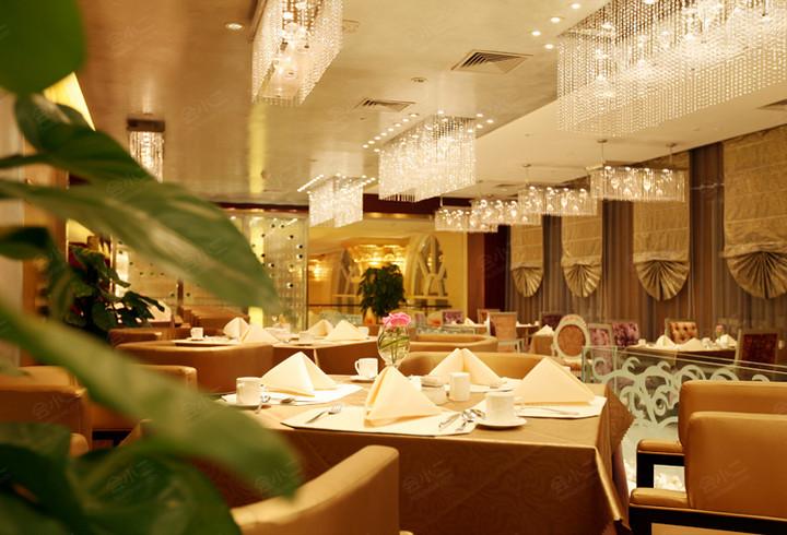 水岸西餐厅