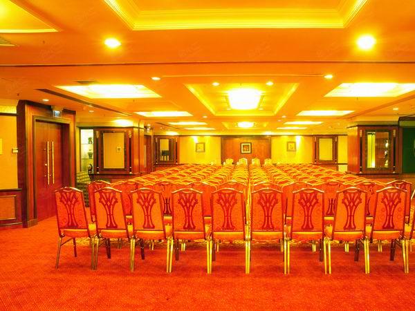 建工锦江大酒店地址_上海250人发布会场地预定【会小二】会场团房3折起