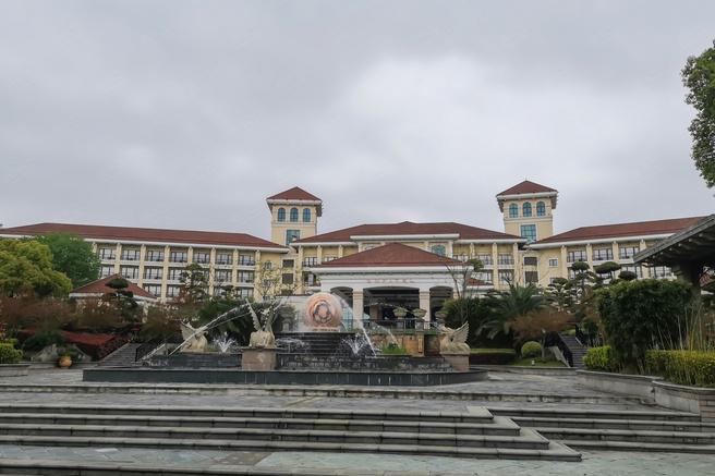 上海东方佘山索菲特大酒店外观