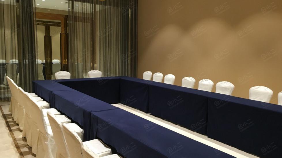 精品店B(水镇大酒店)